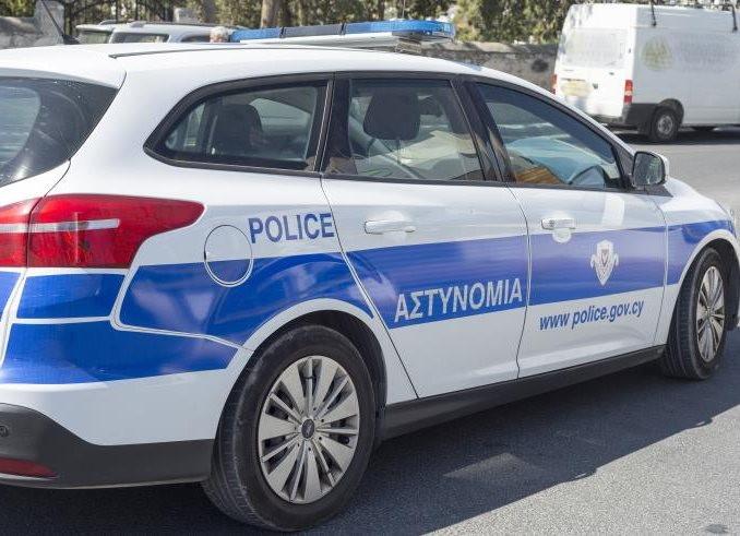 Η αστυνομία βρήκε τρία κλεμμένα αυτοκίνητα